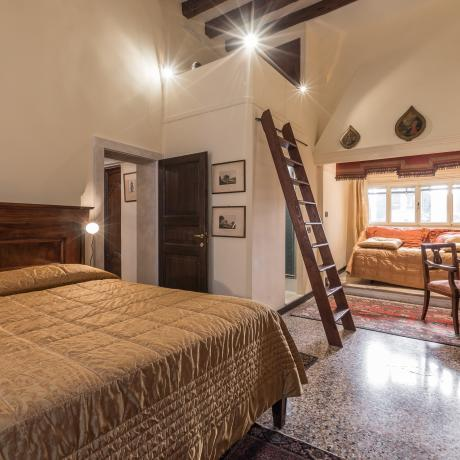 The quiet and charming bedroom at Ponte Storto apartment