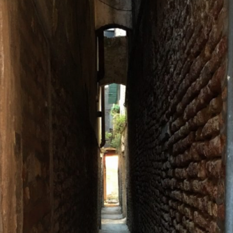 The narrowest calle in Venice